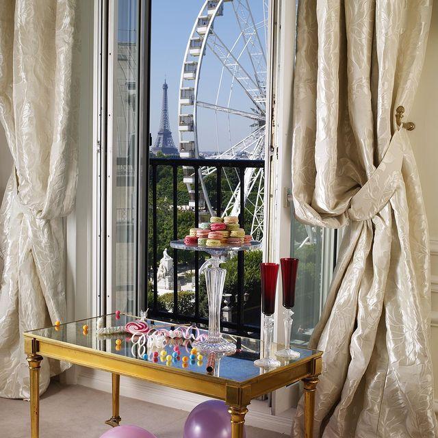 Париж - Hotel Regina Louvre